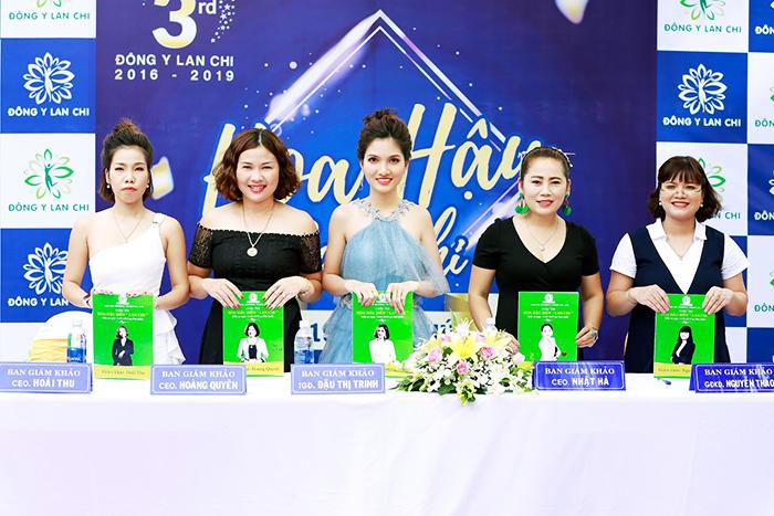 Ban giám khảo Đông Y Lan Chi